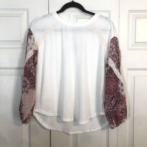 FRANCESCA'S XS NWT White Ribbed Top Pink Floral